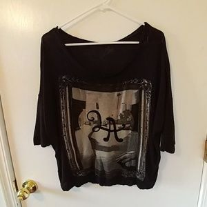 🔥3 for $15. Lira graphic top